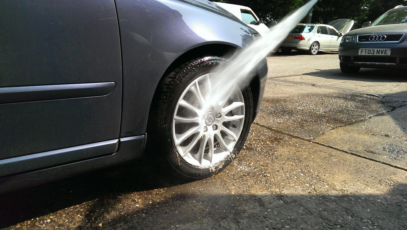 Wheel arch steam clean