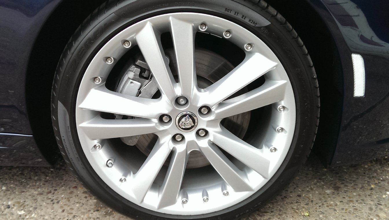 polish alloy wheels and dress tyres